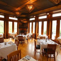 There aren't many spots in Chicago as romantic as North Pond. Set inside a carefully restored Arts and Crafts building dating back to 1912, Bruce Sherman's historic spot set amidst the flora and fauna of Lincoln Park serves rustic farm-to-table food as go