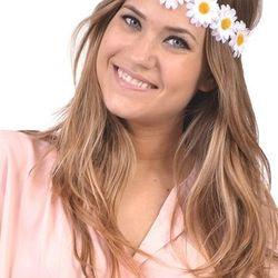 """White flora crown, <a href=""""http://shopblush.com/shop/accessories/BLB01719-white-floral-crown#.Uzz2UK1dVi5"""">$18</a>"""