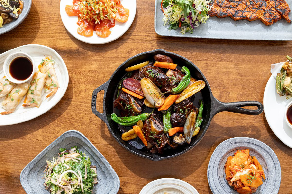 The galbi jjim with additional dishes