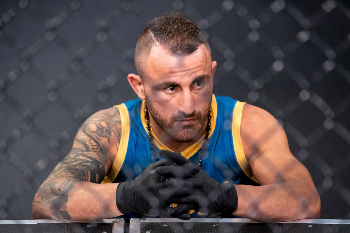 Coach Alexander Volkanovski looks on during the filming of The Return of The Ultimate Fighter at UFC APEX on May 20, 2021 in Las Vegas, Nevada.