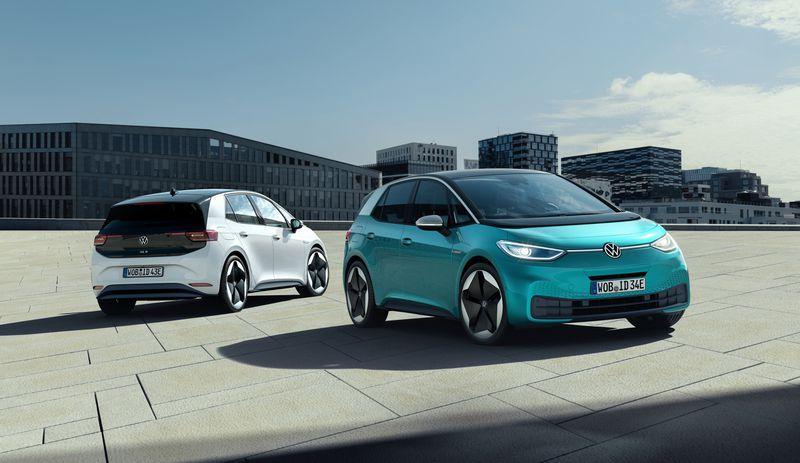Volkswagen шинээр үйлдвэрлэсэн цахилгаан автомашинаа танилцууллаа