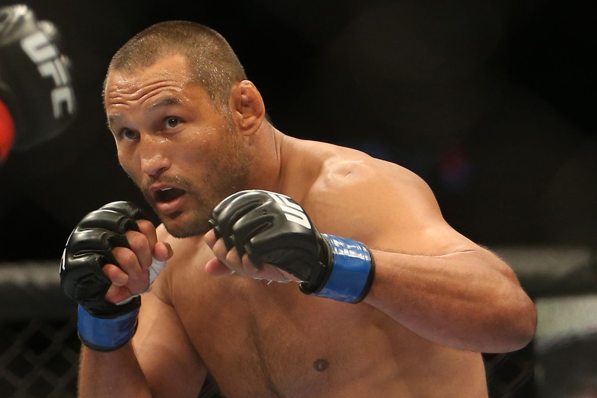 History In The Making Shogun Rua And Dan Henderson Nearly Kill Each Other At Ufc 139 Mmamania Com