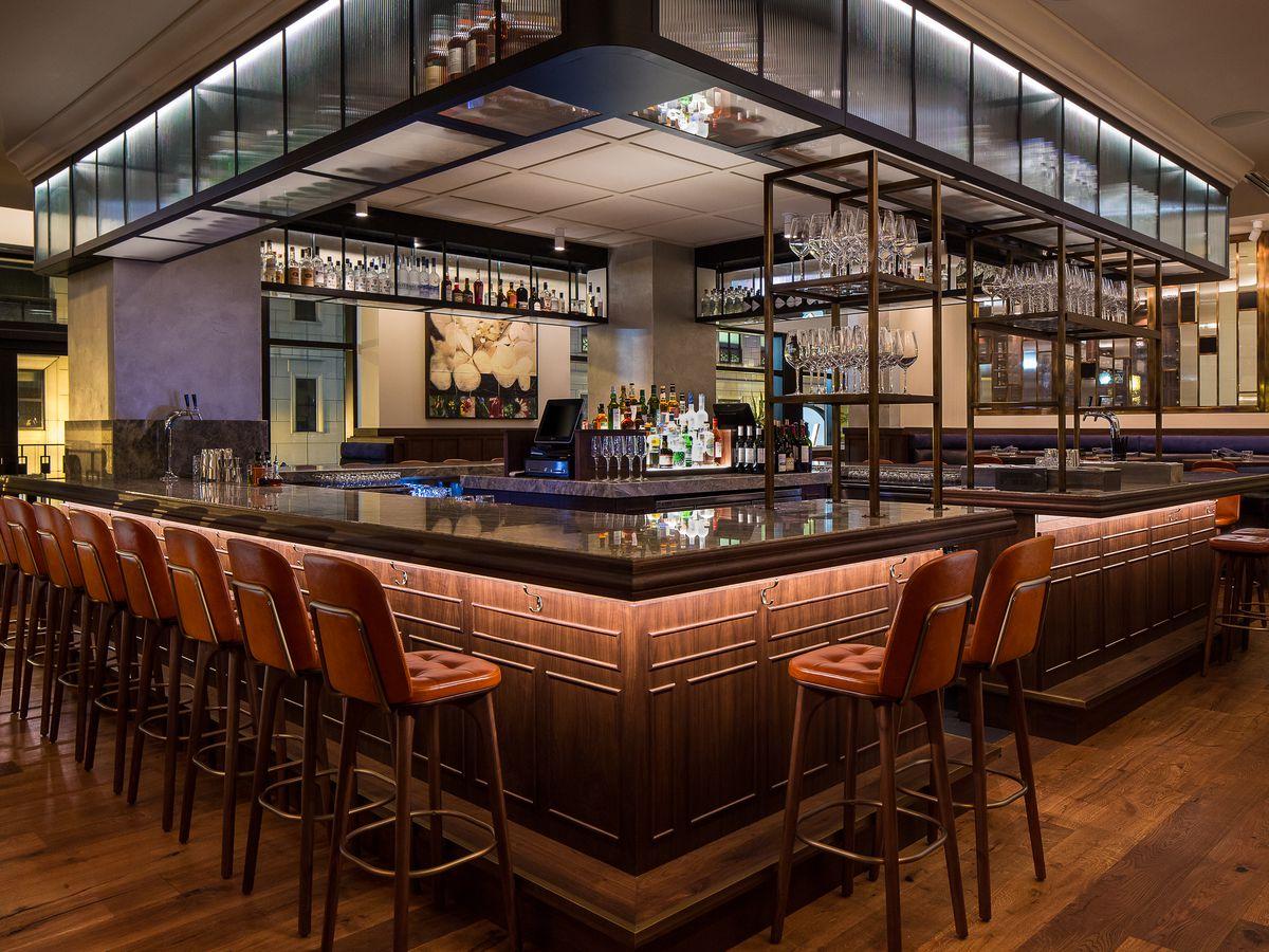 A square-shaped restaurant bar.