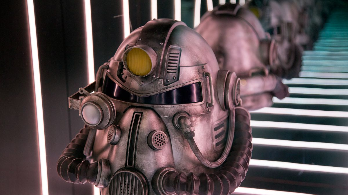 Fallout 76 Power Armor Helmet At Bethesdas E3 Booth Looks Mighty