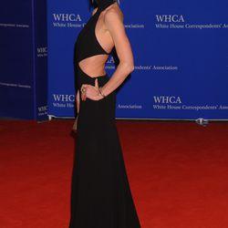Anne Vyalitsyna wears a Kaufmanfranco dress and Jennifer Fisher jewelry.