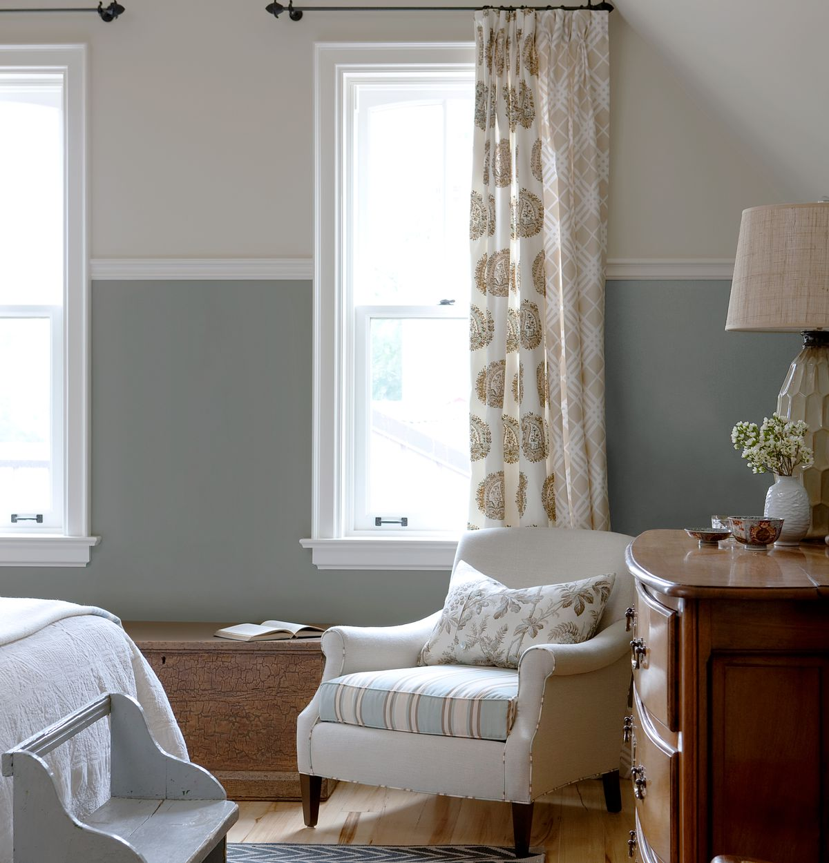bedroom, Read This Before You Pick a Paint Color, Sep/Oct 2020