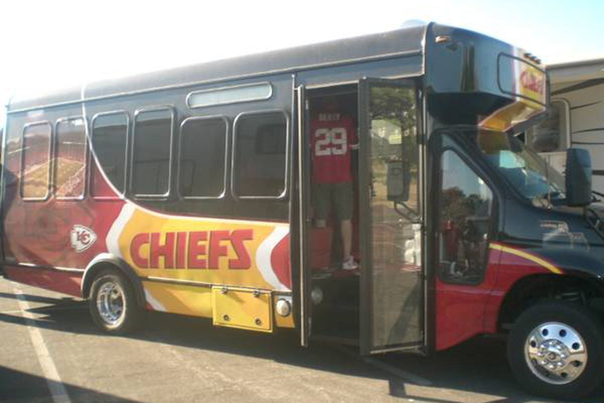 Look at this awesome Kansas City Chiefs bus - Arrowhead Pride