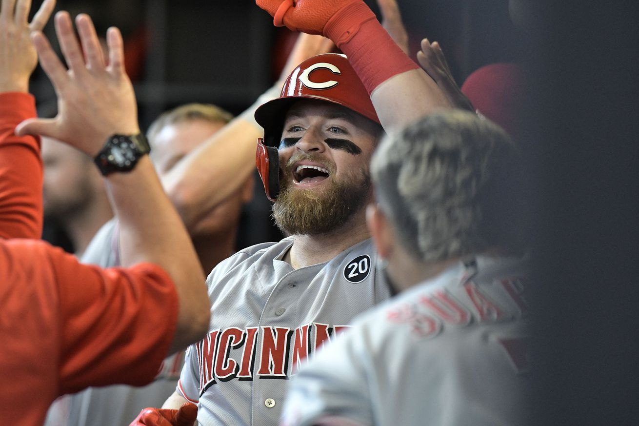 Tucker Barnhart falls a triple shy of a cycle in Reds 8-6 loss to Cubs