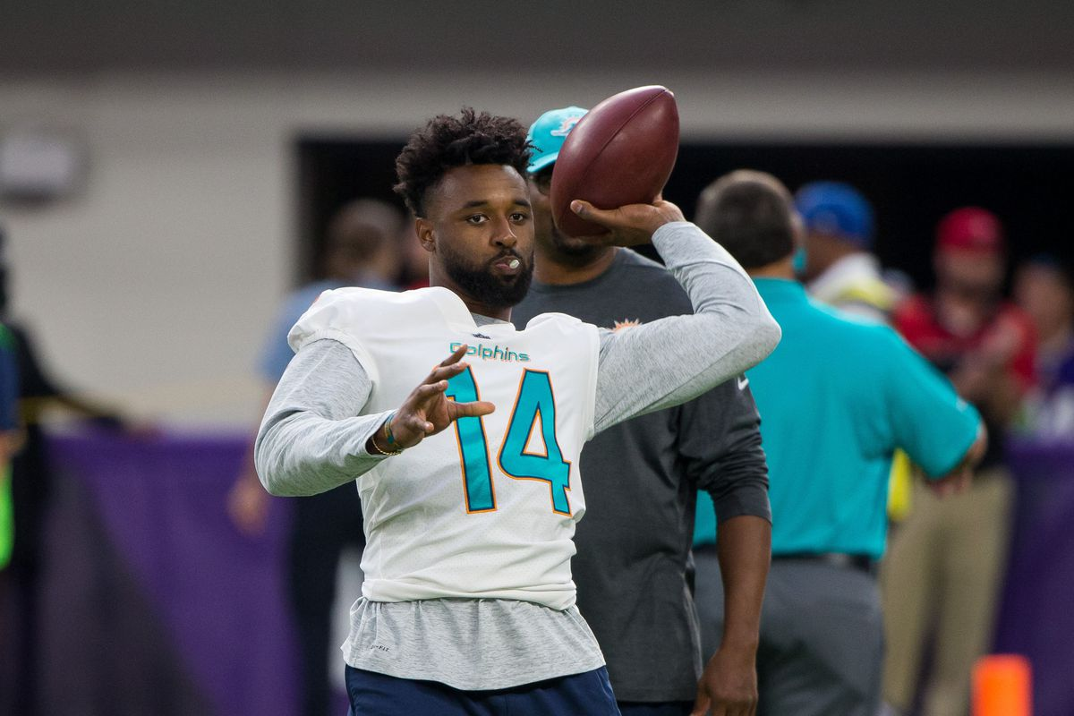 Jarvis Landry injury update Dolphins WR questionable vs Chargers