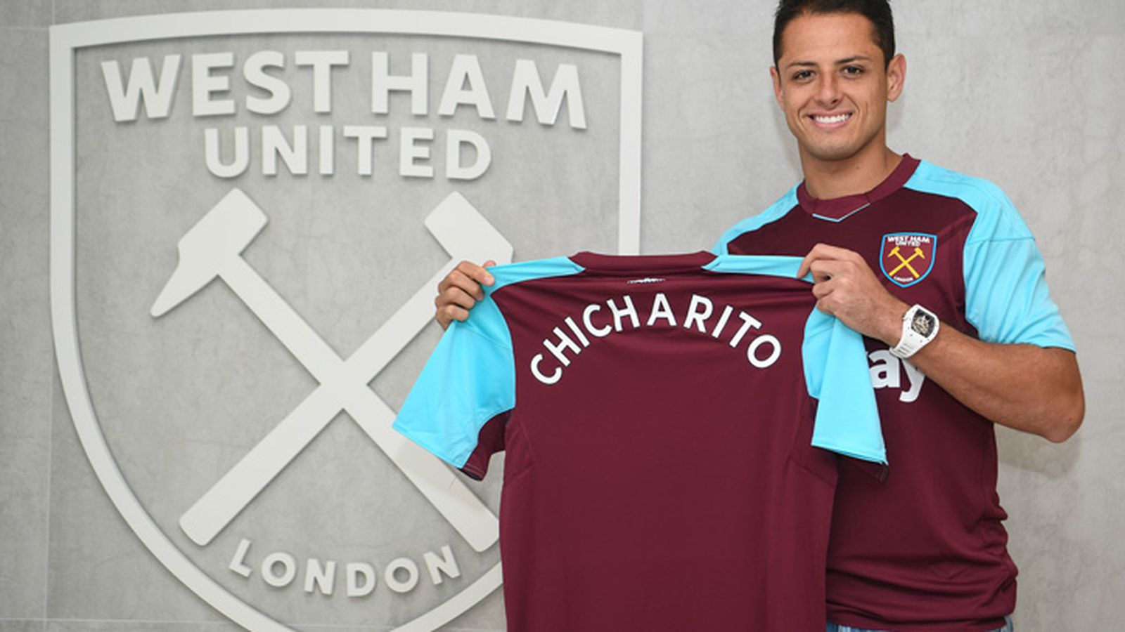 DONE DEAL: West Ham United sign Javier Hernández on three ...