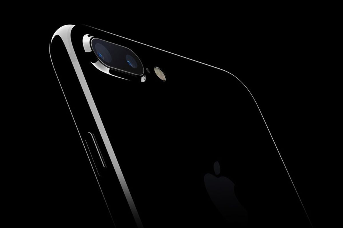 Why are some iPhone 7s making hissing noises? - The Verge