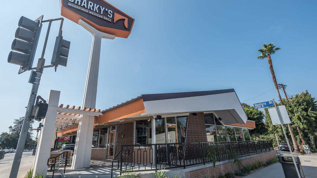 Sharky's, Studio City