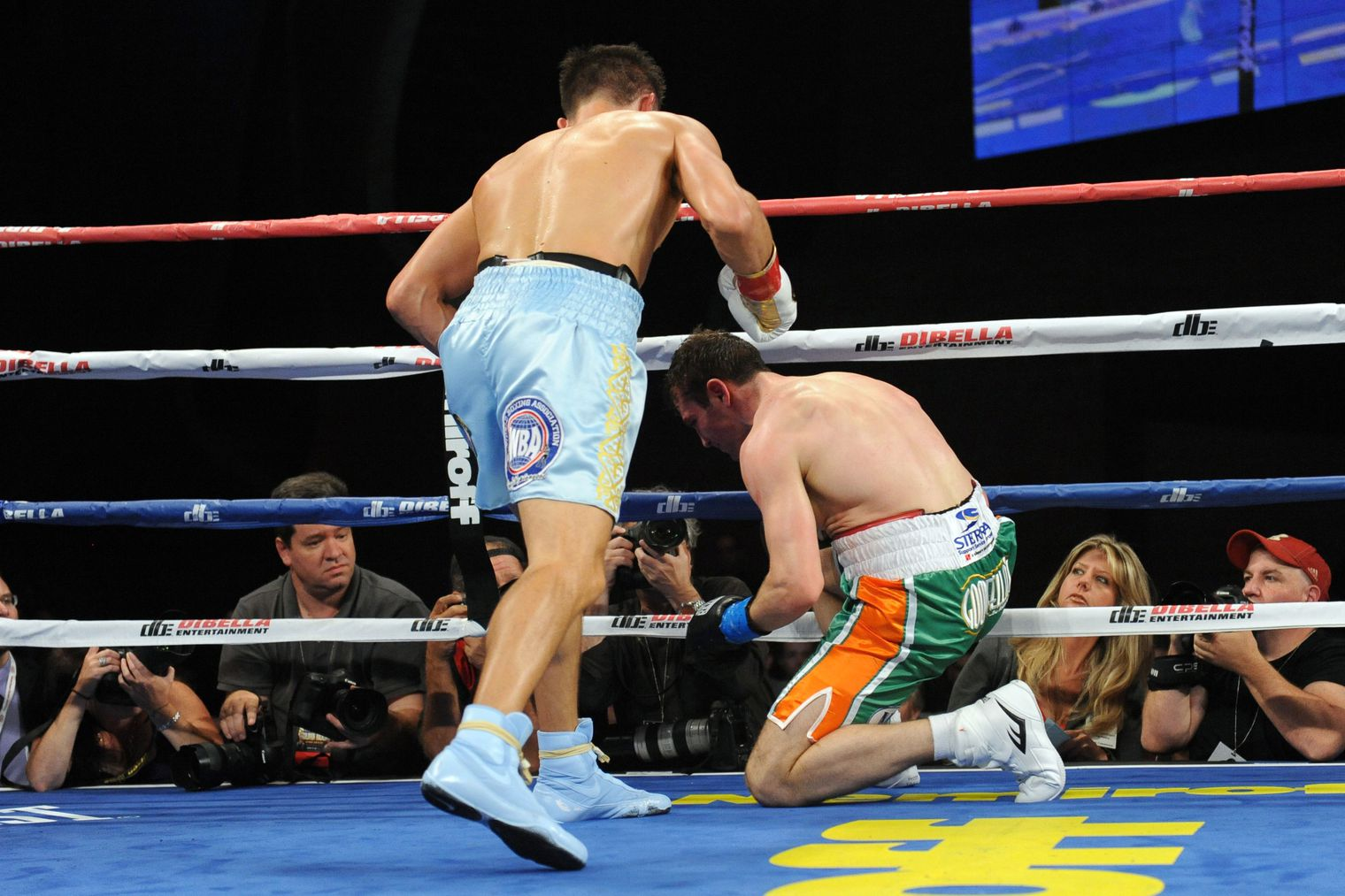 Boxing results: Gonzalez wows with TKO win Saturday