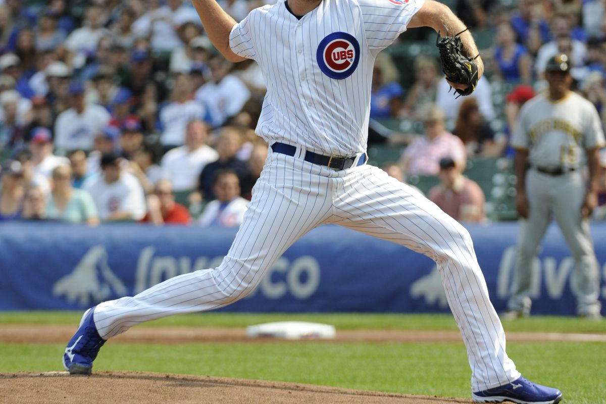 Chris Volstad of the Chicago Cubs pitches against the Pittsburgh Pirates at Wrigley Field in Chicago, Illinois.  (Photo by David Banks/Getty Images)