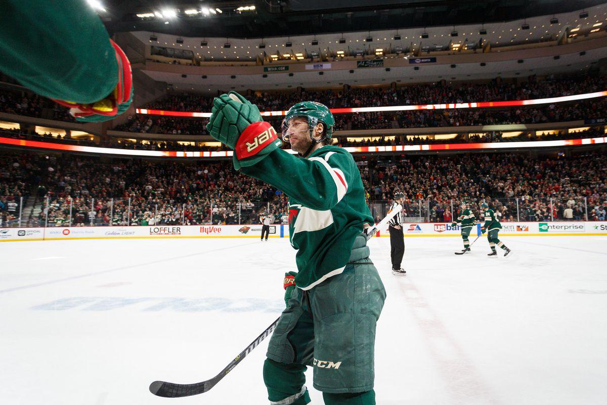 NHL: Carolina Hurricanes at Minnesota Wild