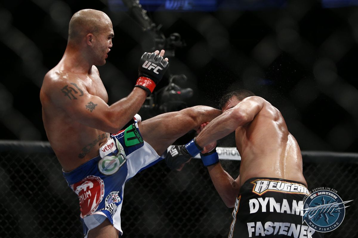 Robbie Lawler will defend his UFC welterweight title at UFC 195 on Saturday night.