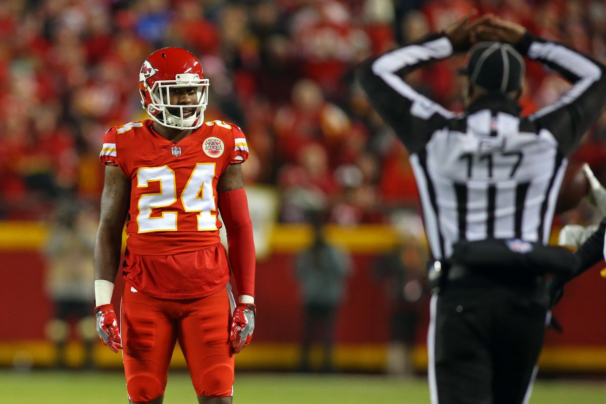 Chiefs Cut Cornerback Darrelle Revis After Less Than One Season