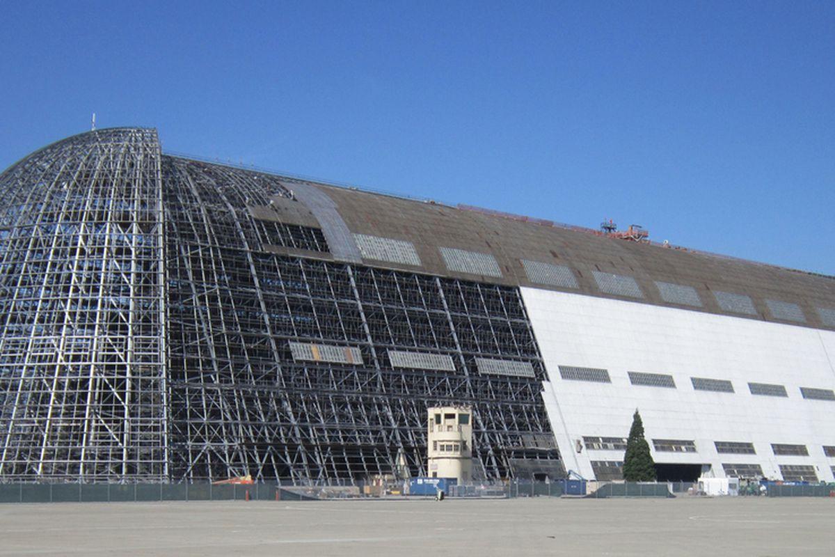"""via <a href=""""http://historicproperties.arc.nasa.gov/hangar1/images/gallery/09_hangar1_partialskin2.jpg"""">historicproperties.arc.nasa.gov</a>"""