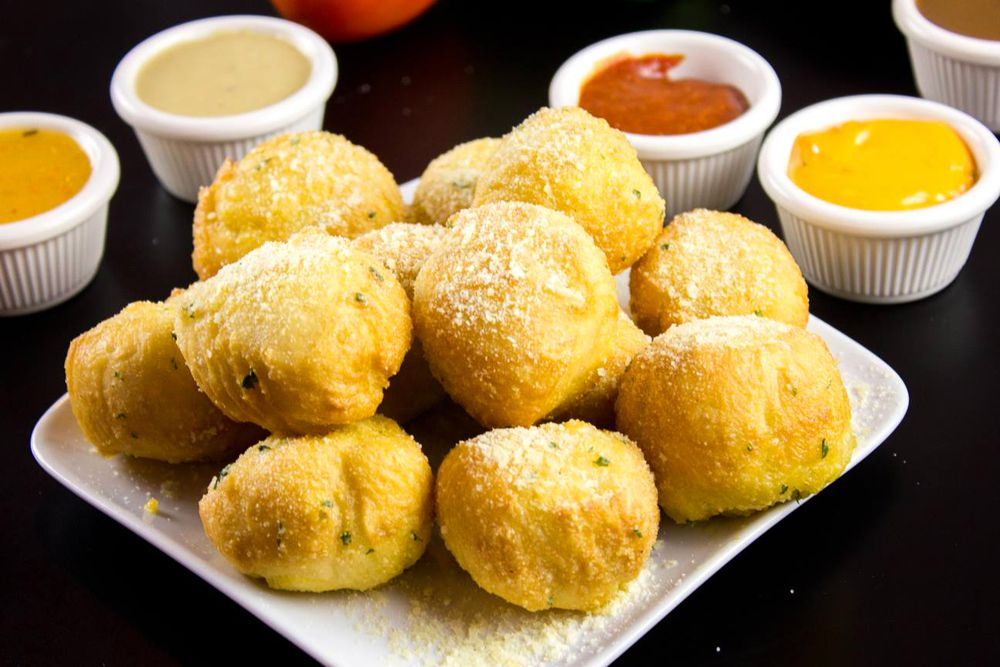 Garlic rolls, available until 2 a.m. on the casual american menu at Cafe Verdi Pizzeria.