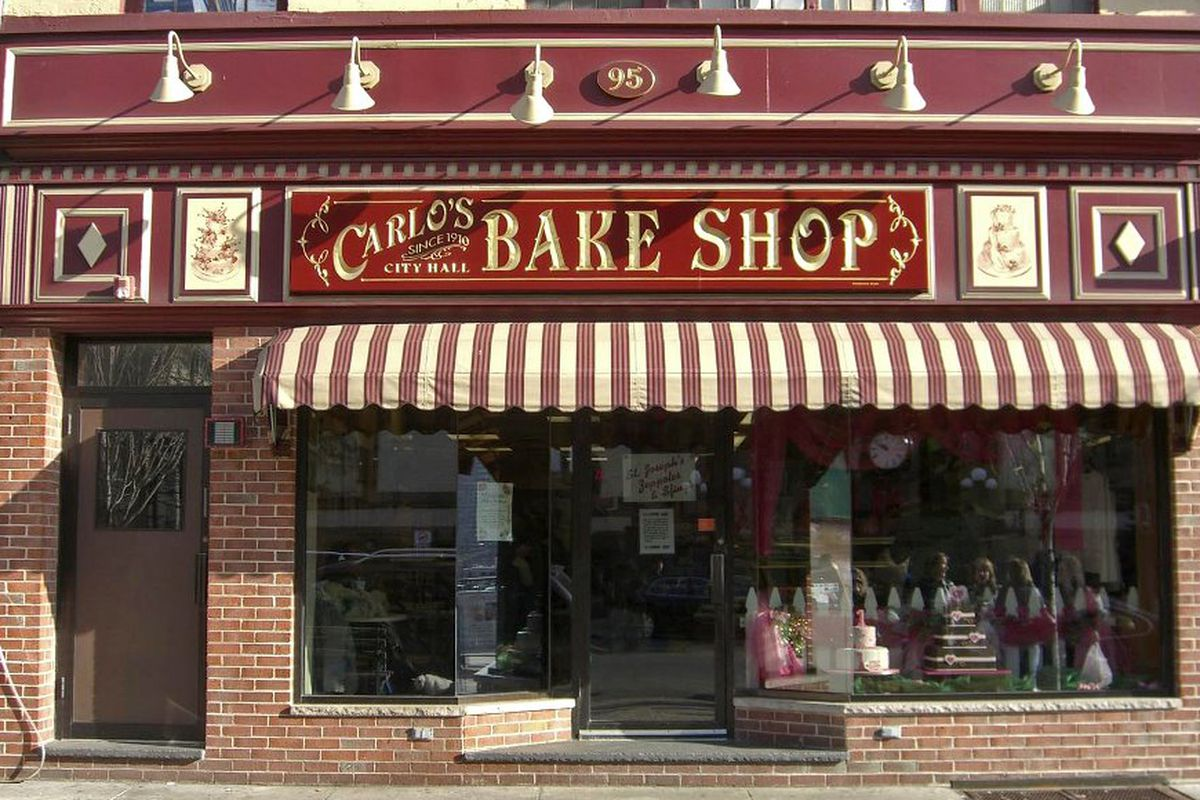 Carlo's Bakery brings cannoli and fancy cakes to Dallas.