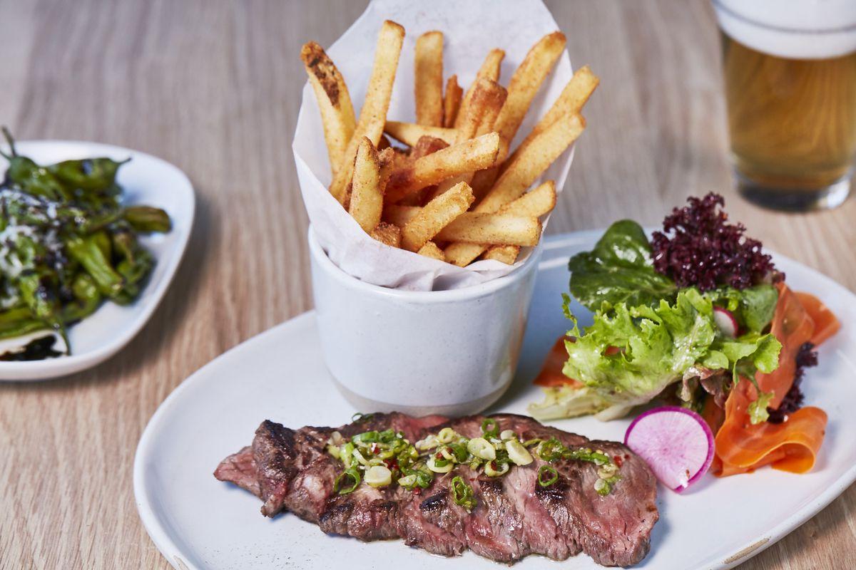 Steak frites, The Gables