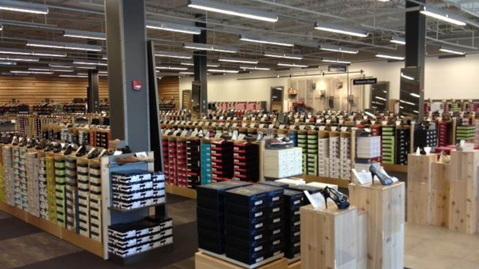 DSW to pay $900,000 over age discrimination accusations