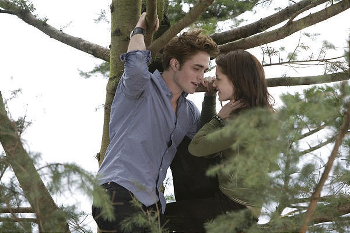 """Utah's five Megaplex Theatres ranked in the top 10 nationally in ticket sales for """"Twilight."""""""