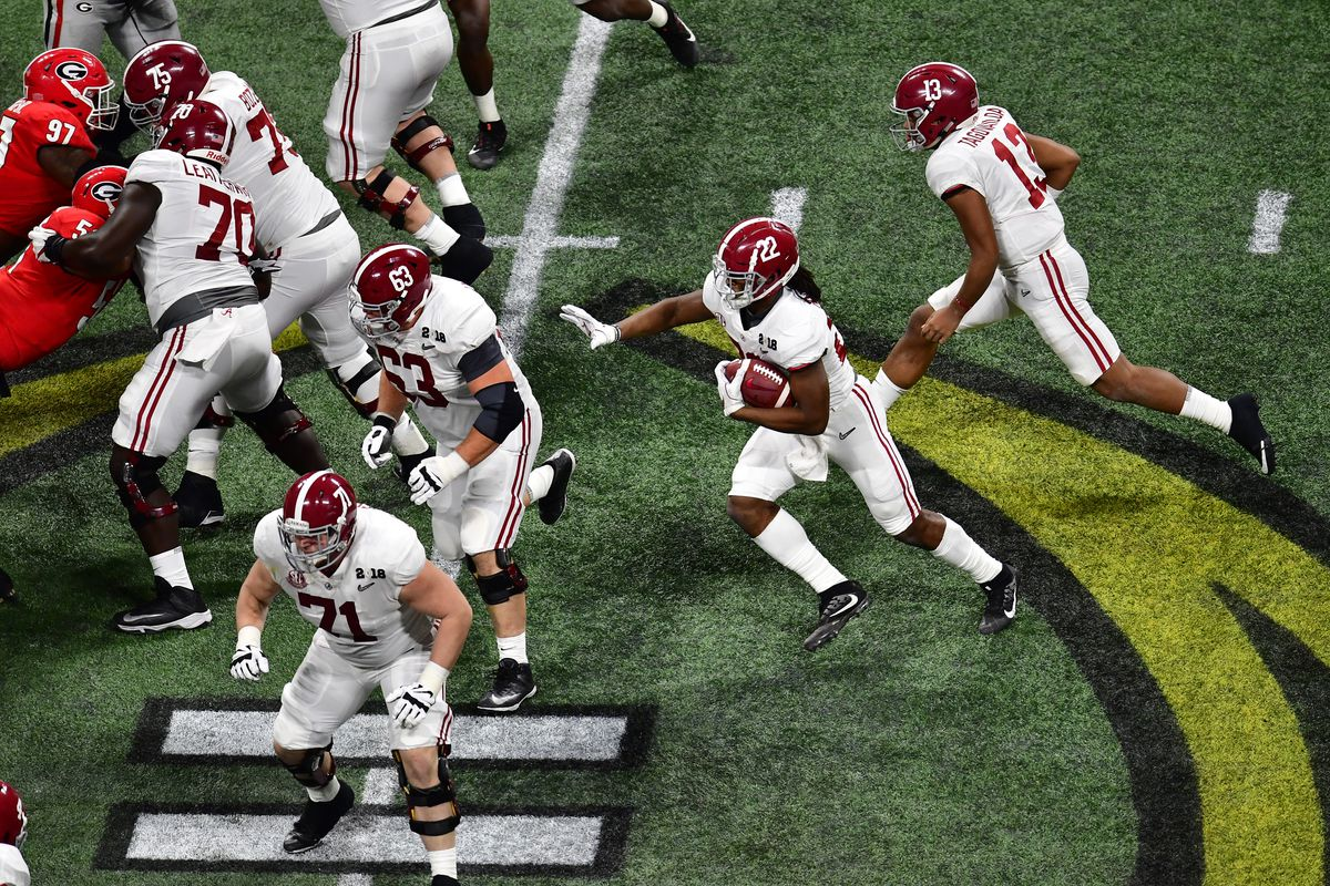 """<p zoompage-fontsize=""""15"""" style="""""""">CFP National Championship presented by AT&amp;T - Alabama v Georgia"""