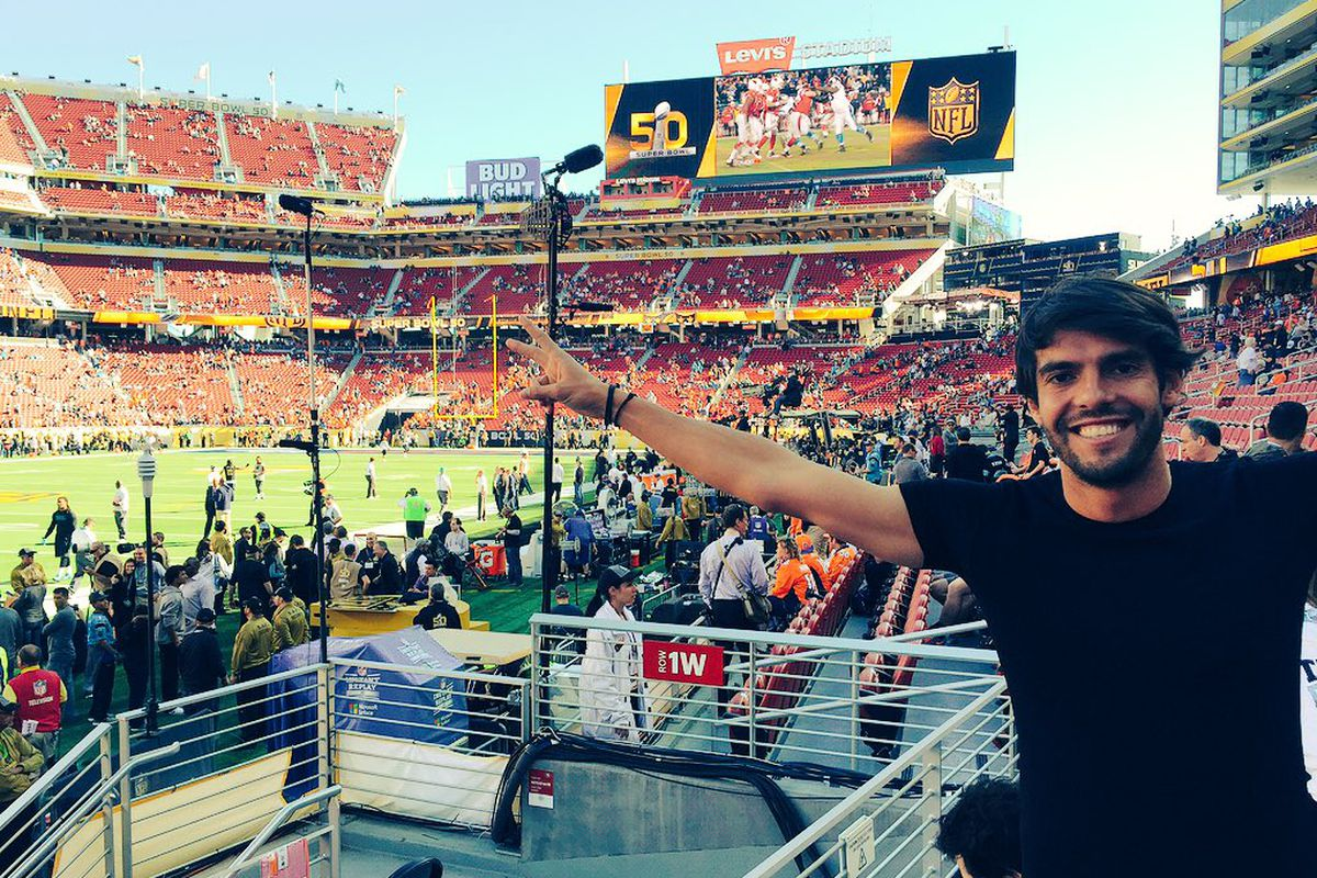 Kaká spending his time at the Super Bowl