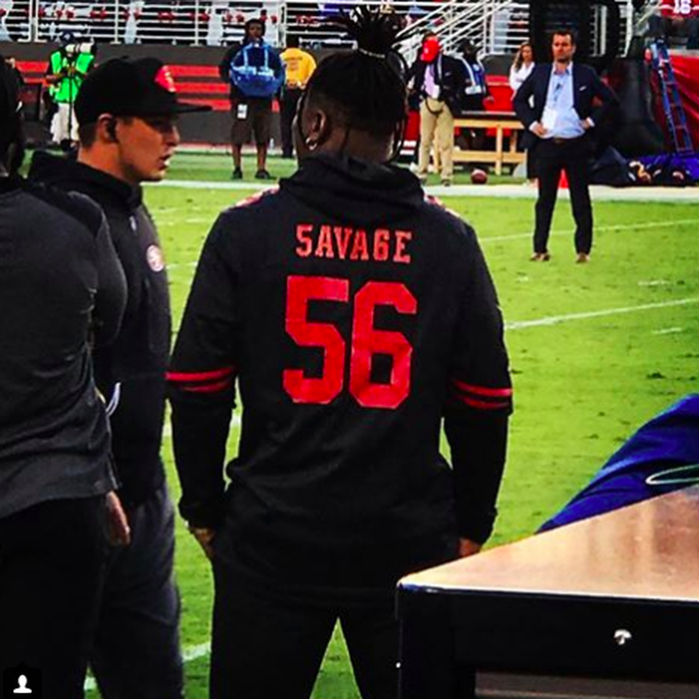 the latest 9a1b5 3cd5e Reuben Foster is wearing a custom 'Savage' jersey on the ...
