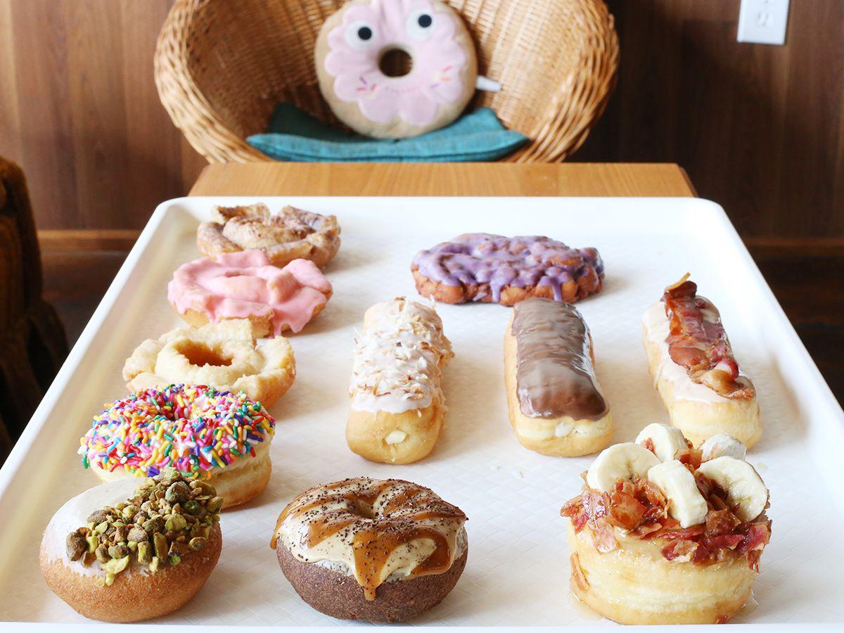 Hypnotic Donuts keeps it weird.