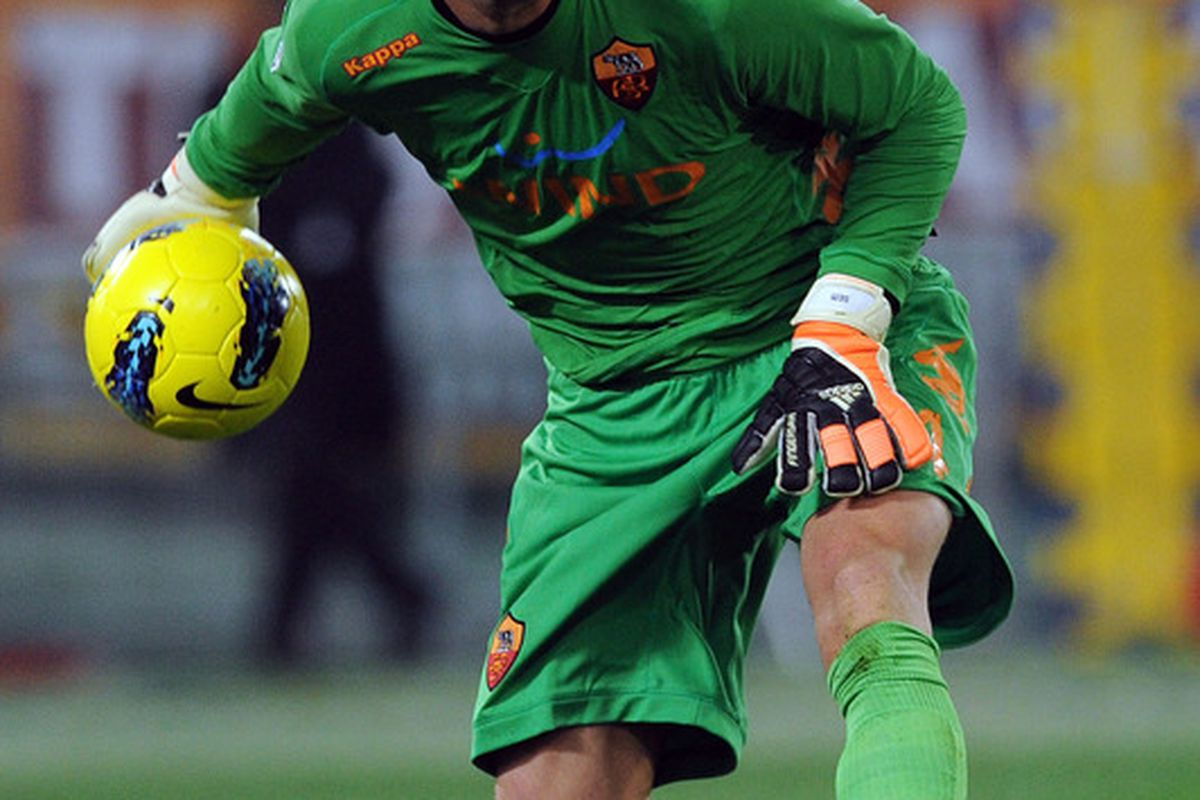 ROME, ITALY - DECEMBER 12:  Maarten Stekelenburg of Roma  in action during the Serie A match between AS Roma and Juventus FC at Stadio Olimpico on December 12, 2011 in Rome, Italy.  (Photo by Giuseppe Bellini/Getty Images)