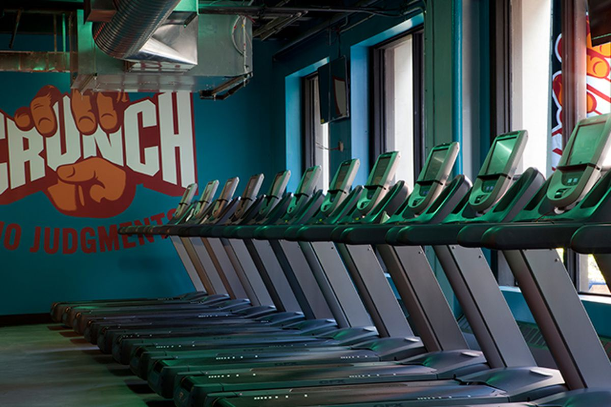 "Photo: <a href=""http://www.manhattandigest.com/2013/04/02/crunch-fitness-in-chelsea-why-its-the-best/"">Manhattan Digest</a>"
