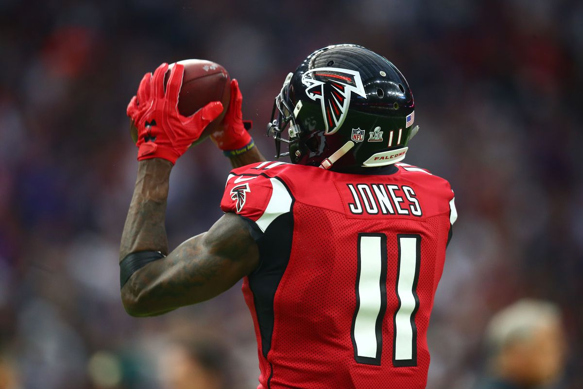 Julio Jones loses $100k earring in Lake Lanier can you find it