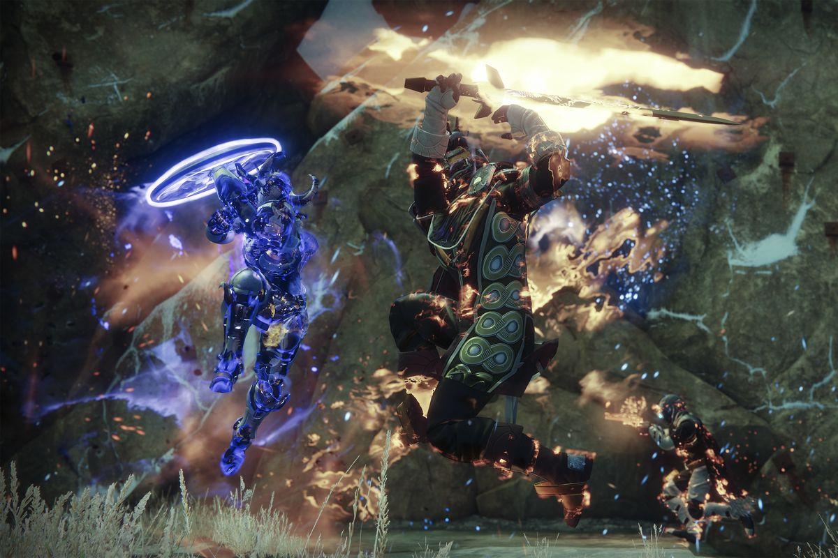 Destiny 2: The Dawning - Dawnblade Warlock fighting Sentinel Titan in Mayhem Crucible match