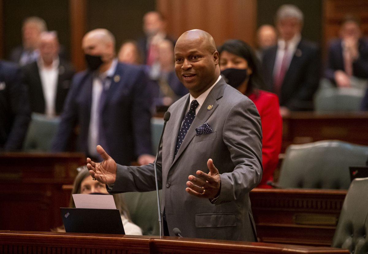 """Illinois House Speaker Emanuel """"Chris"""" Welch, D-Hillside, gives his closing remarks on the floor of the Illinois House of Representatives in June."""