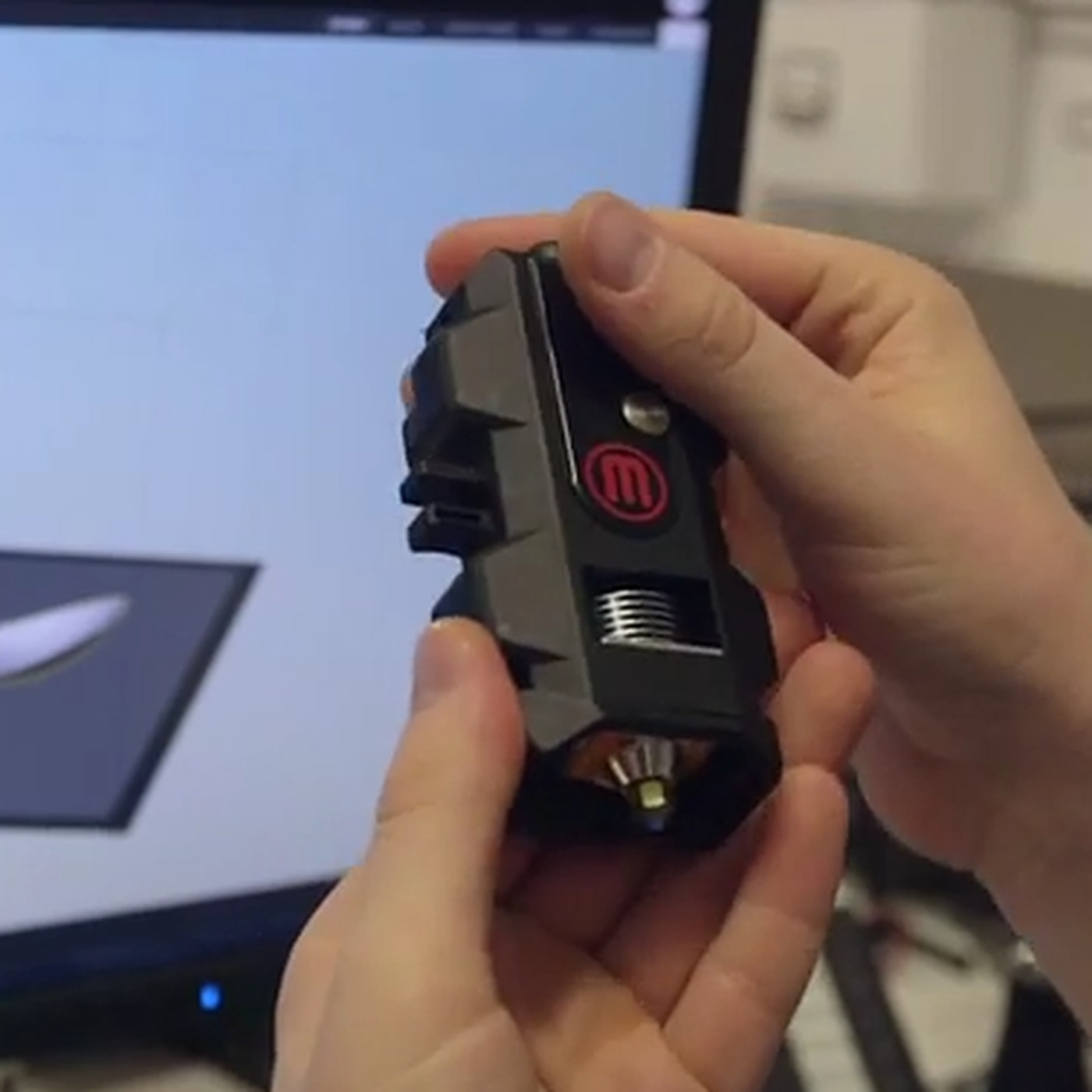 MakerBot is replacing its most ill-fated 3D printing product - The Verge
