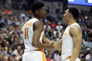 Tennessee basketball cracks the top five of CBS Sports' Top 25 for 2018-19