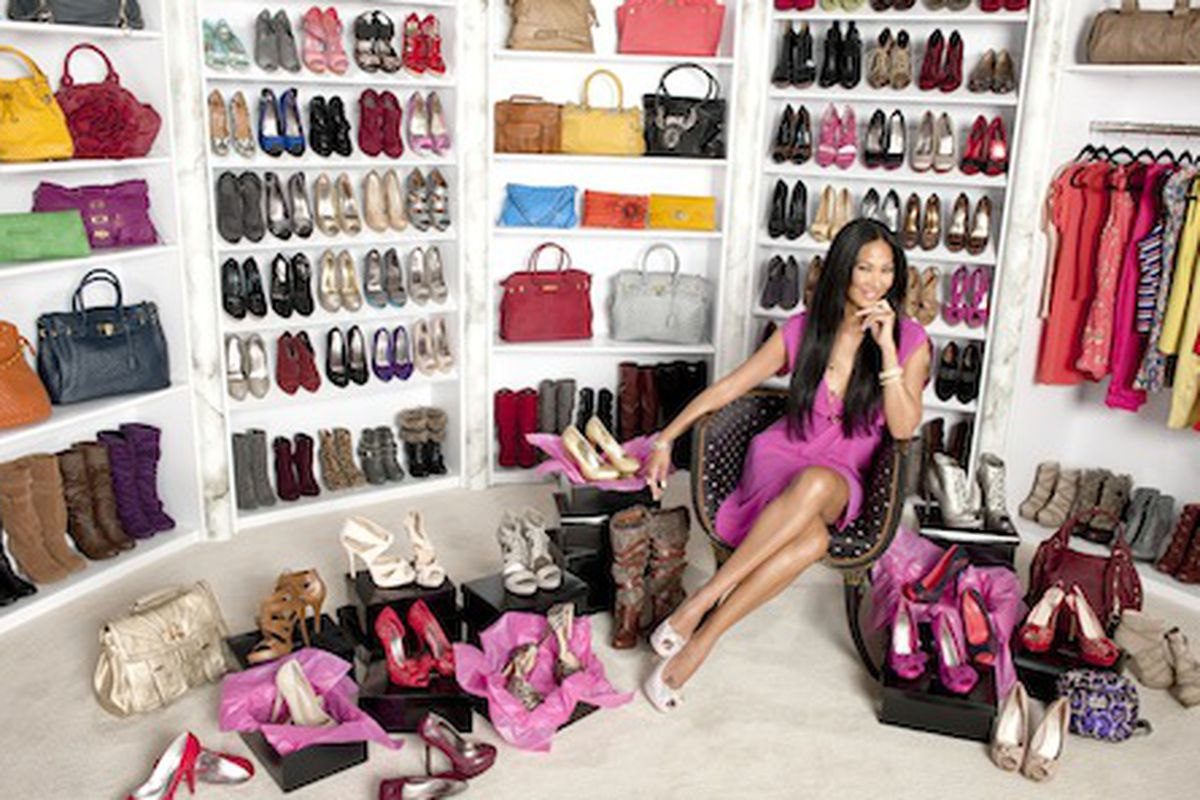 """OMG SHOES. Image via <a href=""""http://latimesblogs.latimes.com/alltherage/2011/09/kimora-lee-simmons-steps-into-her-new-role-at-justfabcom.html"""">All the Rage</a>."""