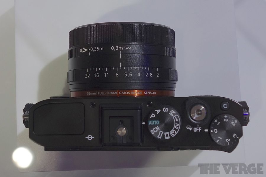 Sony Shows Off Rx1 Full Frame Compact And Nex 16 50mm