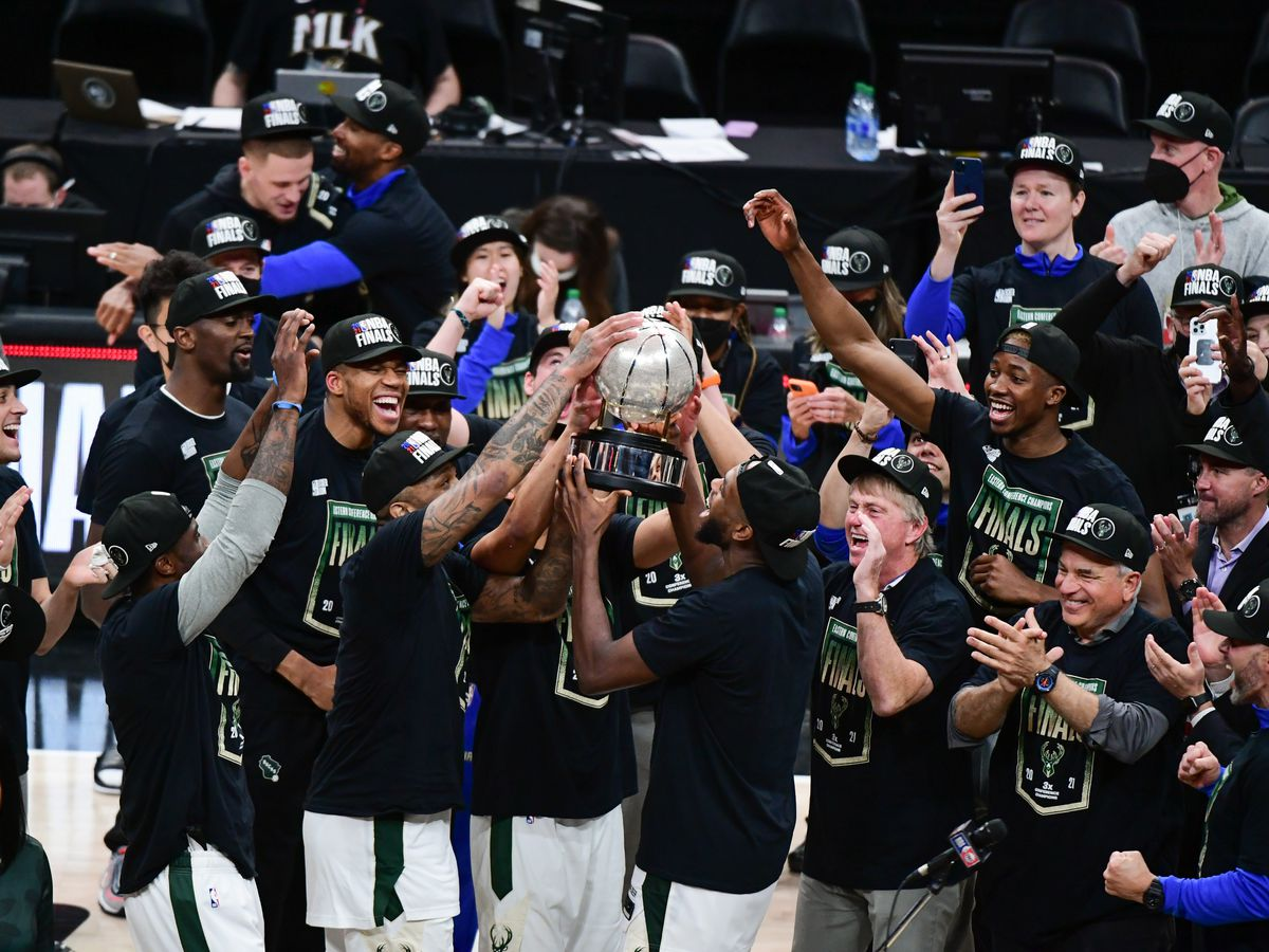 2021年NBA季后赛-密尔沃基雄鹿队诉亚特兰大老鹰队