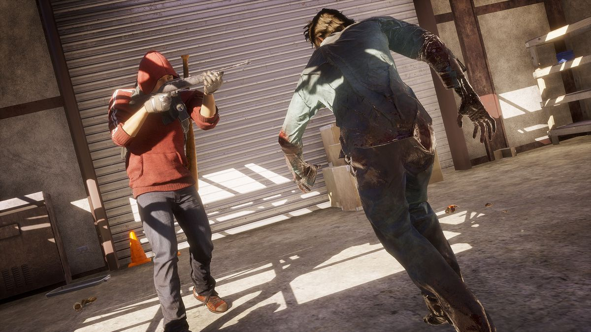 State of Decay 2 - shooting at a zombie