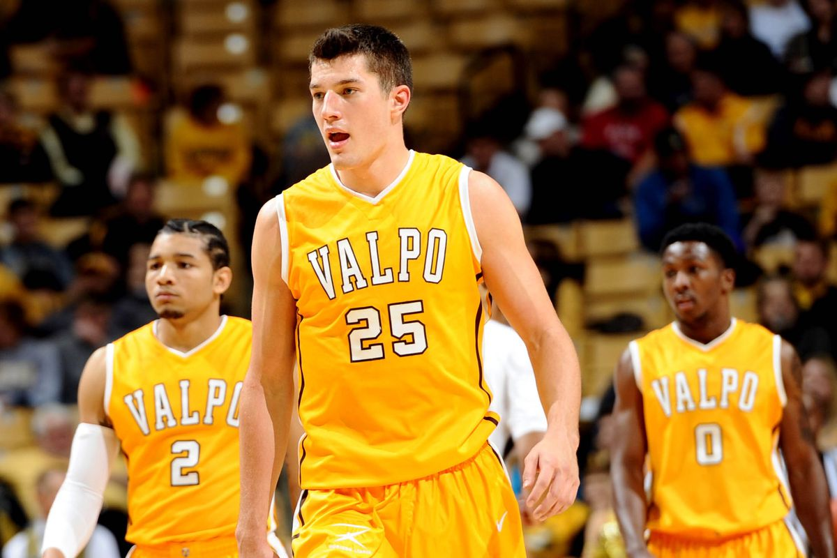 Alec Peters (#25) and Valpo are the favorites in the Horizon League.