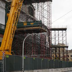 Closer view of the scaffolding constructed to hold the dumpsters, on the upper levels, on the Addison Street side