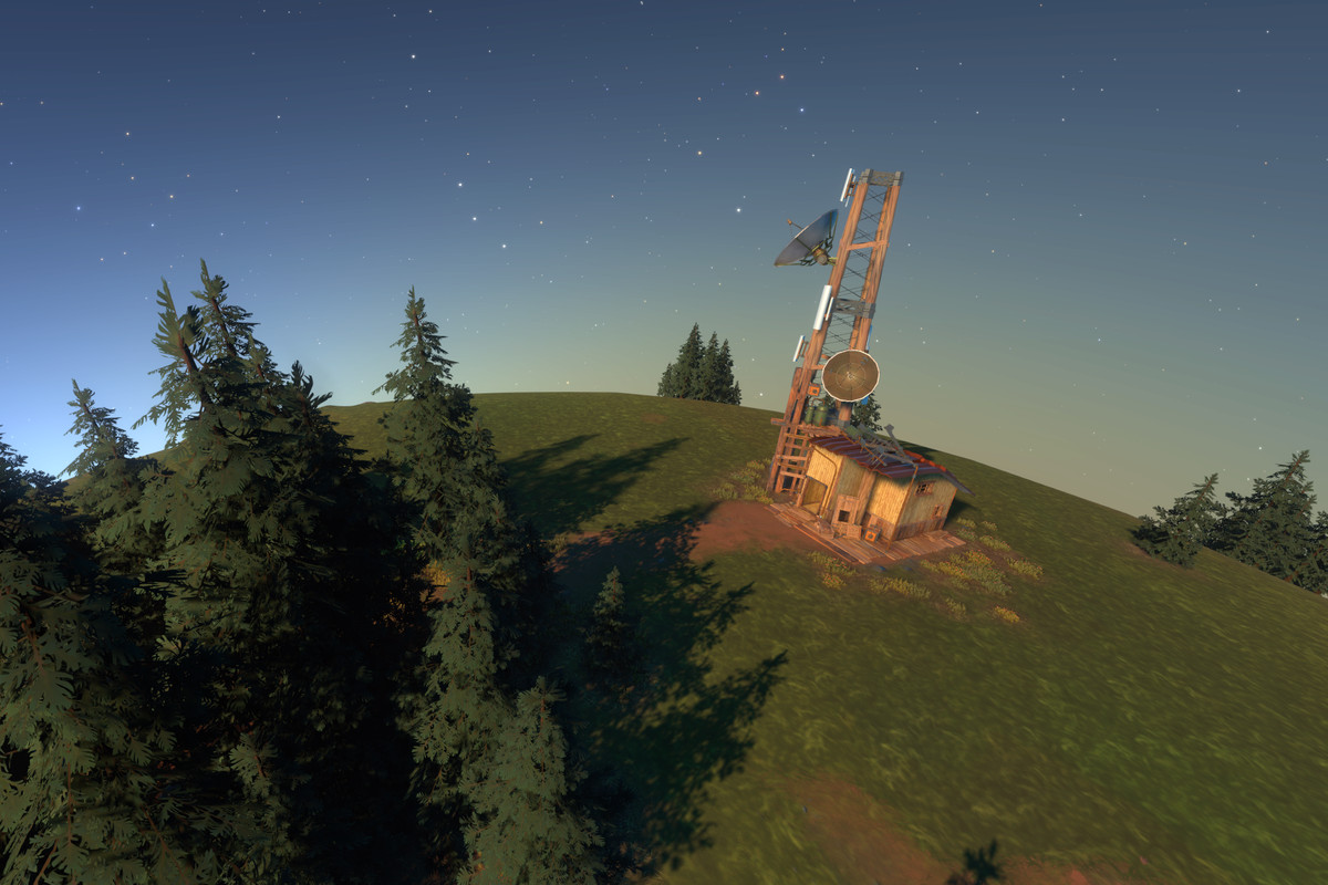A screenshot from Outer Wilds: Echoes of the Eye depicting a radio tower on the surface of the planet Timber Hearth.