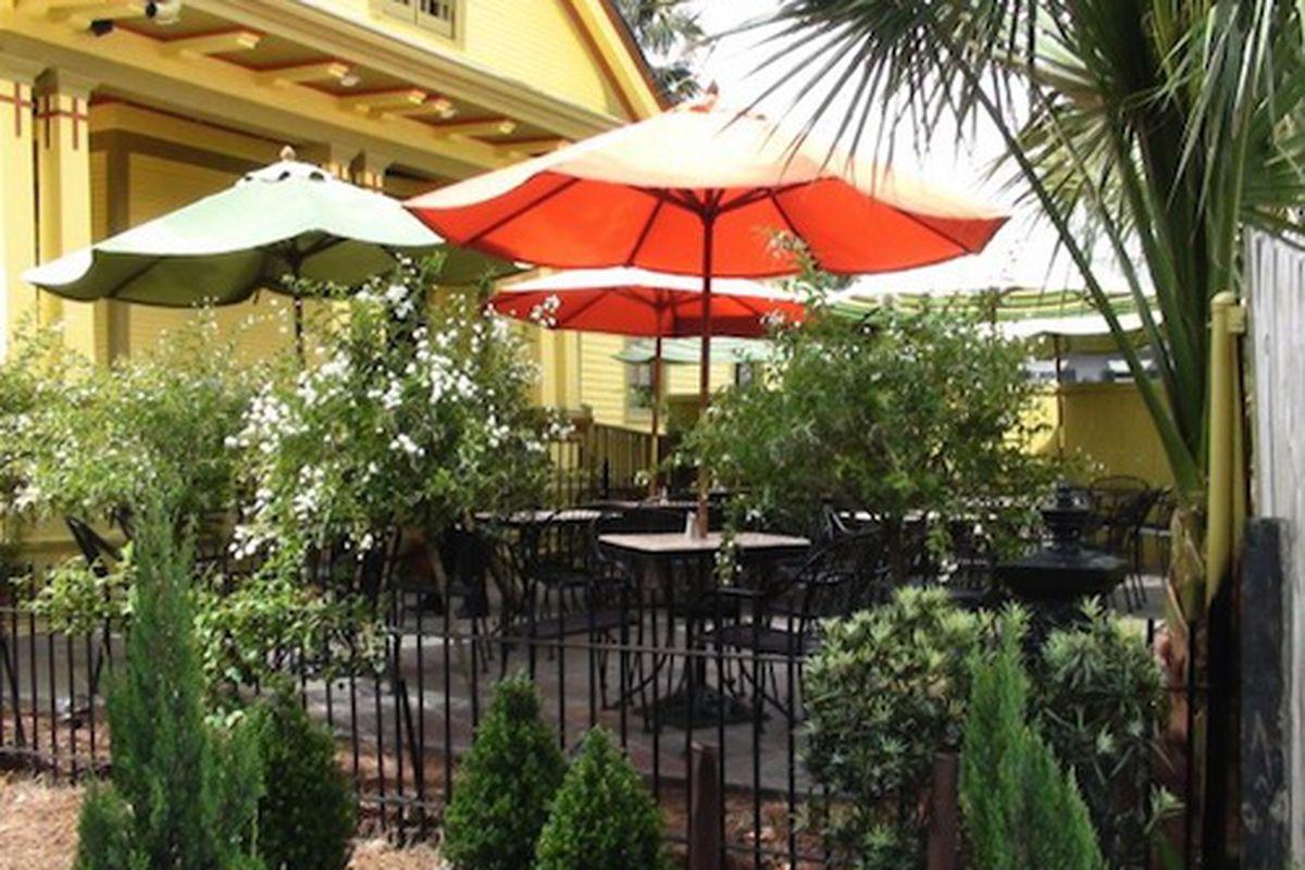 The patio at Nonna Mia Café and Pizzeria.