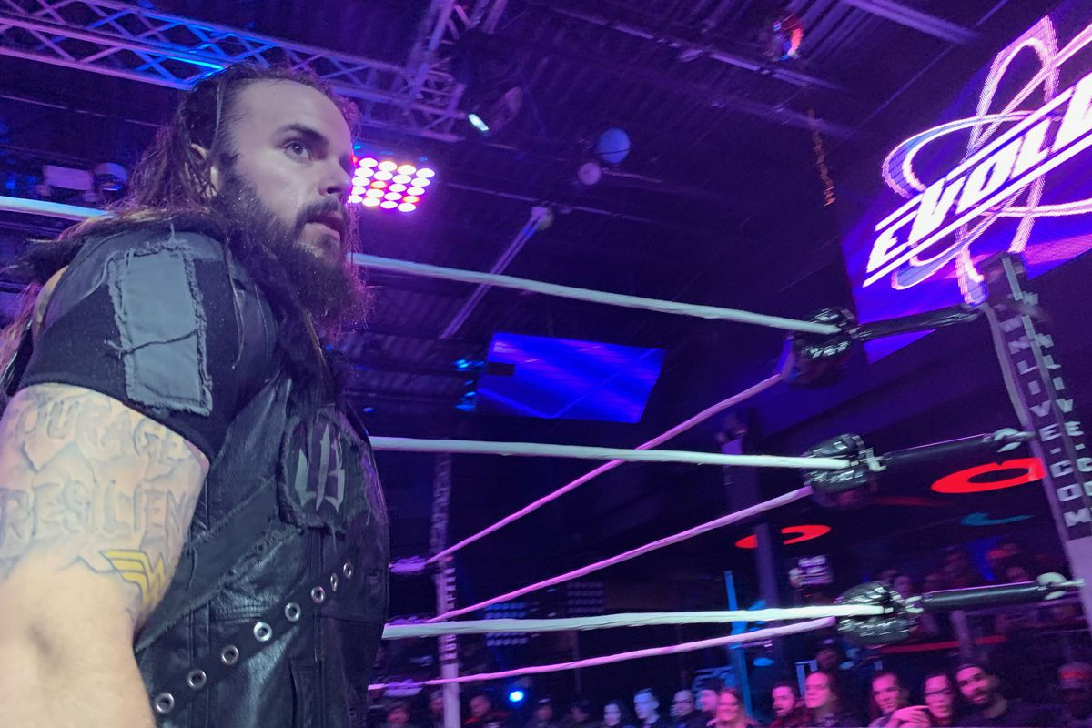 Josh Briggs dislocated his hip at Evolve 124 and fans should take ...