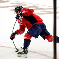 Ovechkin Shoots On Power Play