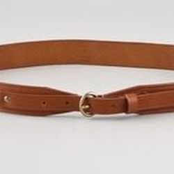 "<a href=""http://www.shopbop.com/papa-tab-waist-belt-madewell/vp/v=1/845524441931512.htm?folderID=2534374302025763&fm=sale-shopbysize-viewall&colorId=27758""><b>Madewell</b> Papa Tab Waist Belt</a>, $30.94 (was $52)"