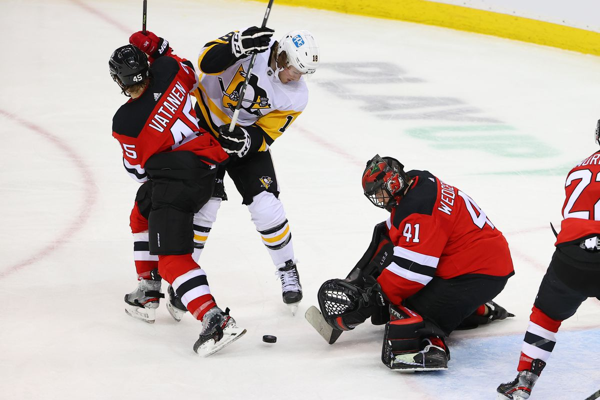 NHL: MAR 18 Penguins at Devils